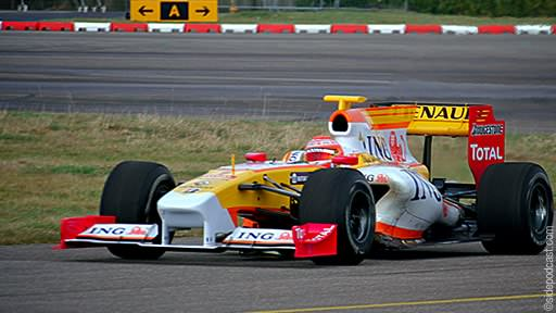 Renault R29 testing at Kemble