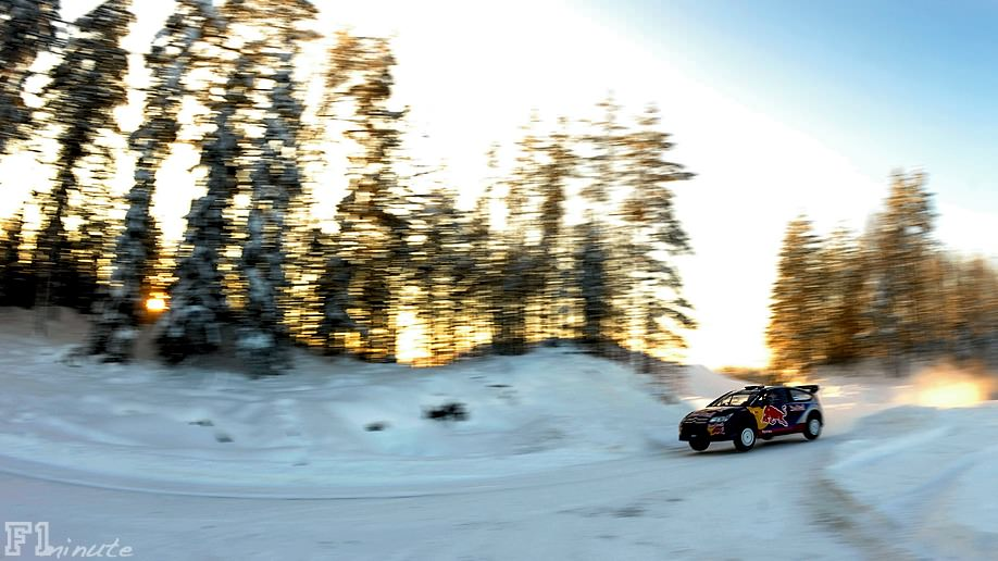 Räikkonen flies over the bumps during the Arctic Rally