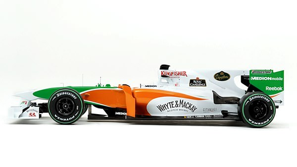A look at the 2010 Force India chassis and livery from the side.