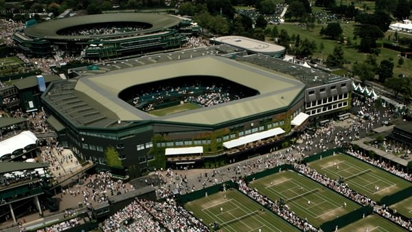 Sidepodcast F1: Wimbledon's Centre Court back in 2006, before they added the roof that keeps the rain off