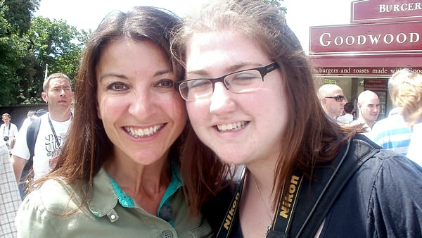 Sidepodcast F1: With Holly Samos from the 5live F1 - yes I know my eyes are closed, but it was a bright day!