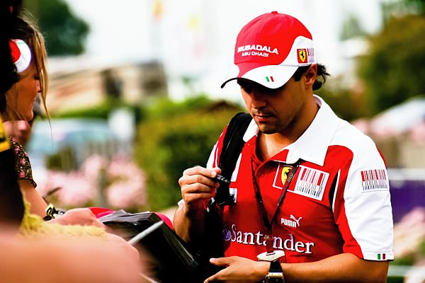 Massa spending some quality time with his fans.