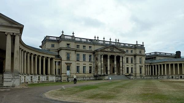 Virgin Racing chose the rather grand Stowe School as their campsite for the weekend
