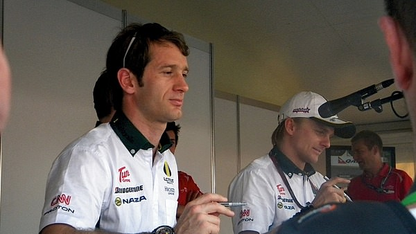 Amy spots Jarno Trulli and her target Lotus dream, Heikki Kovalainen