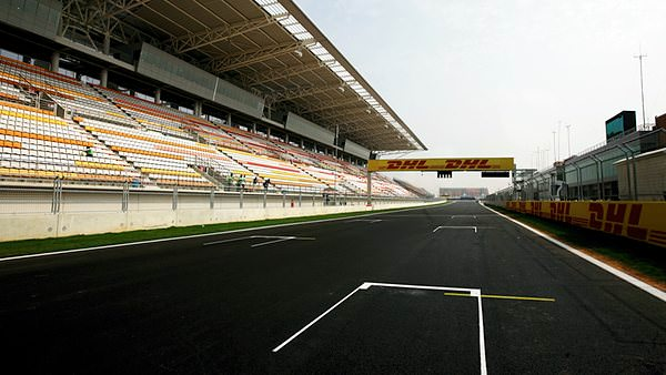 The main straight is finally clear of forklifts, and with added grid boxes