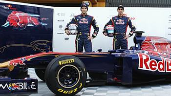 Jaime Alguersuari and Sébastien Buemi oversee the launch of the STR6