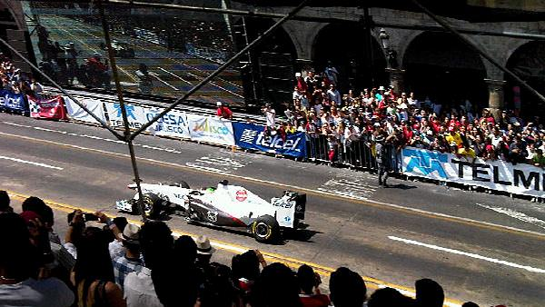 Sidepodcast F1: Sergio Perez wows the crowds in Guadalajara