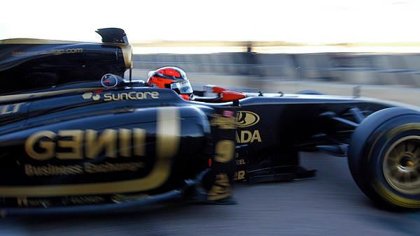 Sidepodcast F1: Kubica heads out the garage for some testing action in Valencia