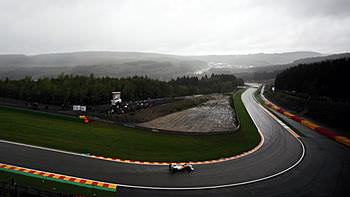 Overcast conditions led to a busy qualifying session