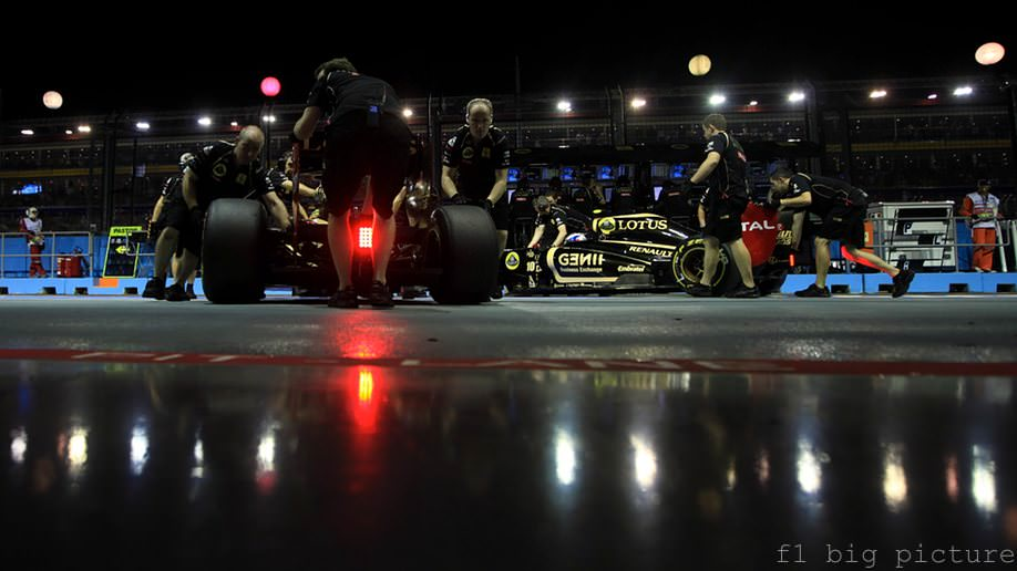 Renault admit lack of performance as the 2011 season nears its end