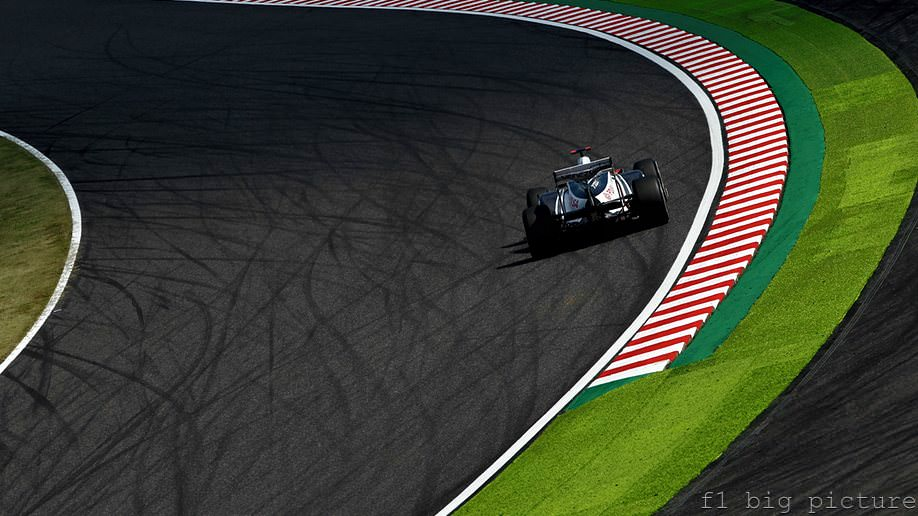 Williams suffer bad day for both cars in Suzuka free practice