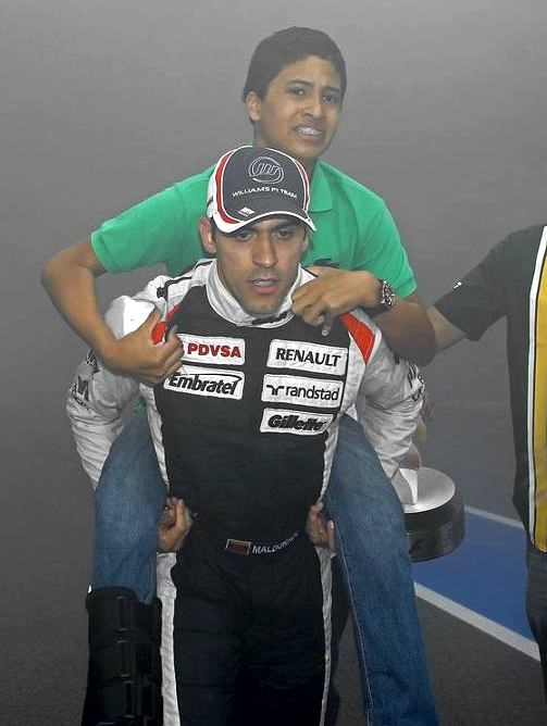Maldonado carries his cousin from danger