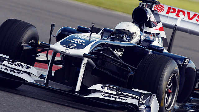 Susie Wolff successfully tests the FW33 at Silverstone