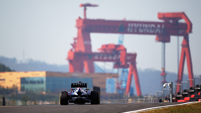 Lewis Hamilton and Sebastian Vettel lead practice in Korea