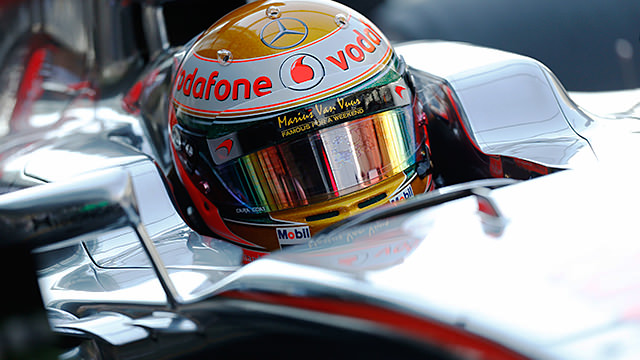 Hamilton pips both Red Bull drivers to pole in Abu Dhabi