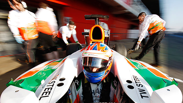 Paul di Resta keeps it tidy on day two