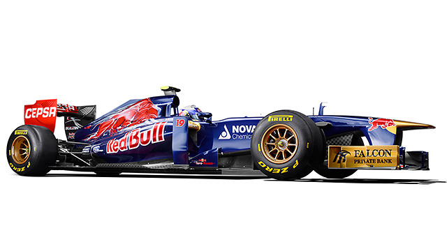 Toro Rosso reveal their 2013 car, the STR8, in Jerez