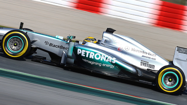 Hamilton leaps into the lead on penultimate day of Barcelona testing