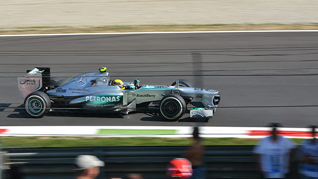 Hamilton turns up the pace in Monza