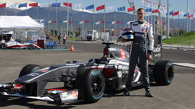 Sergey Sirotkin makes F1 demo debut in Sochi