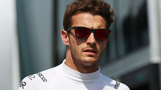 Jules Bianchi set to stay at Marussia for 2014