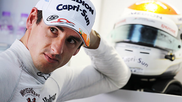 Adrian Sutil signs for Sauber