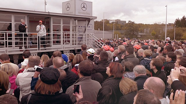 Hamilton chats with fans at Mercedes-Benz Live