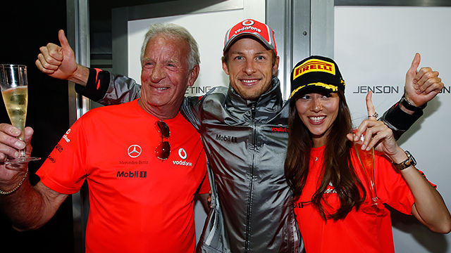 F1 pays tribute to John Button