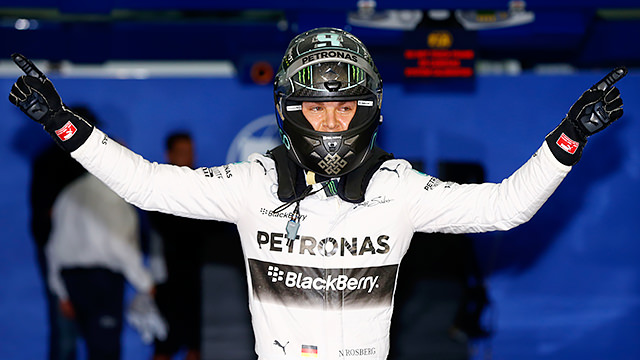 Rosberg pips Hamilton to pole position in Bahrain