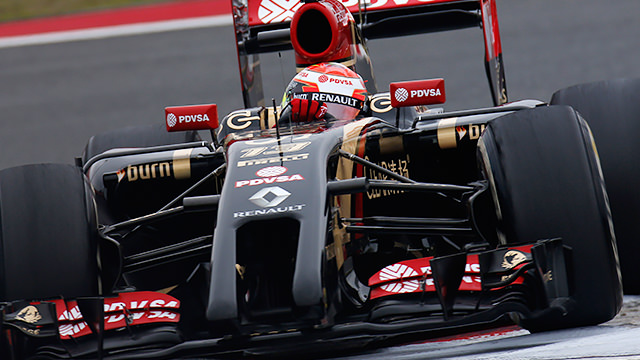 Maldonado crashes into pit entry during China practice