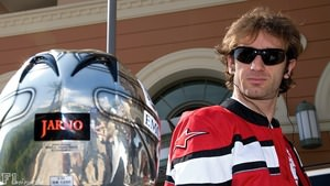 Jarno Trulli signs for Lotus for 2010