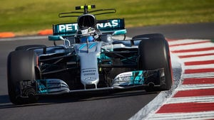 Bottas leads as Celis crashes in front of home crowd