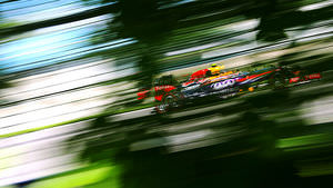 Ricciardo disappears into the scenery in Montreal