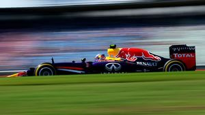 Ricciardo gets the better of Vettel in qualifying