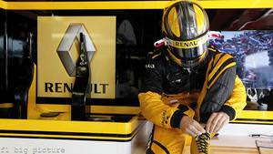 Renault rebrand for 2011 with a brand new livery