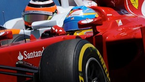 Alonso fights for position in Valencia