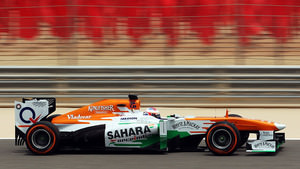 Sutil leaves the pits in China