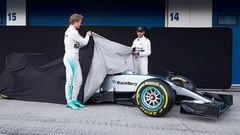 Sidepodcast: Defending champions Mercedes roll out F1 W06