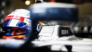 Grosjean causes chaos in Q3 battle for pole
