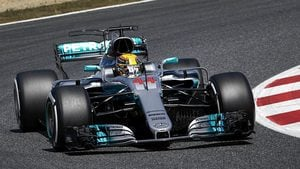 Hamilton takes pole with Vettel securing front row spot