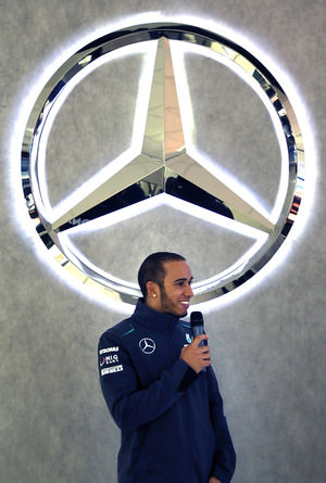 Hamilton visits the Mercedes factory in Brackley