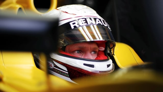 Mercedes secure Canada front row as Magnussen sits out qualifying
