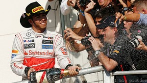 Hamilton dons the winning Pirelli stetson on US podium