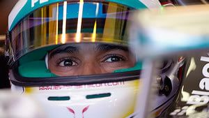 Hamilton finds the groove in FP1