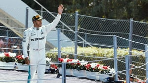 Hamilton snatches title lead from Vettel in Italy