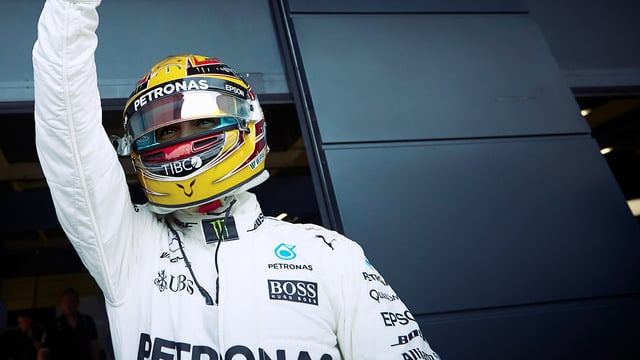 Hamilton takes pole position in front of Silverstone home crowd