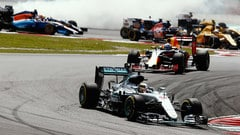 Sidepodcast: Mercedes defend Hamilton after engine outburst