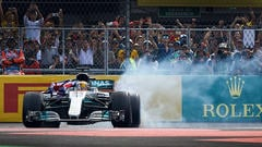 Sidepodcast: First lap drama in Mexico gives Verstappen victory, but Hamilton the title