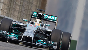 Hamilton gets back on top in FP2