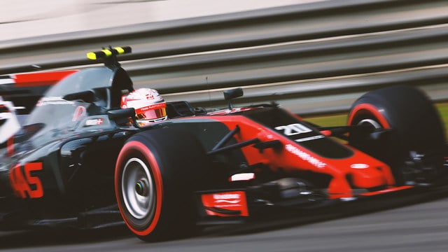 Magnussen put on a good show to prove that Romain Grosjean isn't the number one driver at Haas